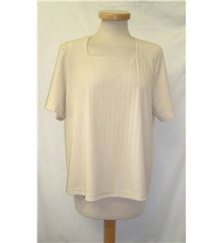 Eastex - Size: 18 - Cream  - Textured Square Neck Top