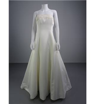 Alfred Angelo Strapless Ivory Size 10 Wedding Dress With Embroidery Panel