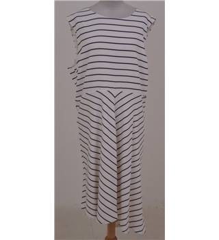 NWOT: M&S Size 22: Ivory/navy stripe sleeveless dress