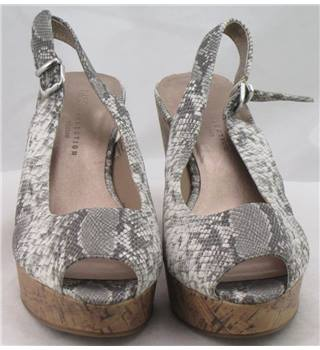 NWOT M&S Collection, size 7 grey snake skin patterned wedge heeled platform sandals
