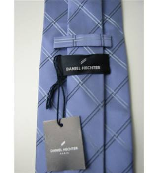 "Brand New With Tags Daniel Hetcher Size 4"" Width Mauve Silk Tie with Black and Silver Pattern"