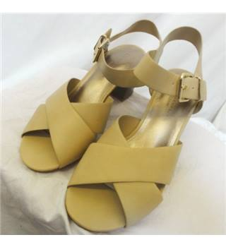 M&S Marks & Spencer - Size: 7 - Wide Strap Beige Sandals
