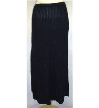 BNWT Mango Size S  Black with metallic thread Long ribbed knit skirt