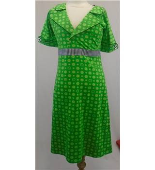 BNWT Margot Green Dress - Size Medium