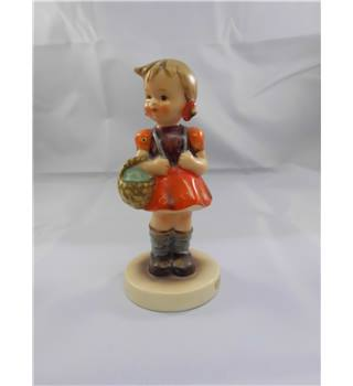 "COLLECTABLE HUMMEL 1960s FIGURINE ""SCHOOL GIRL"""