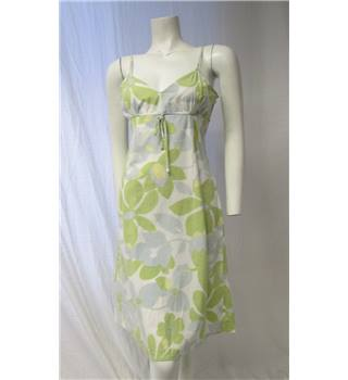 Urban Pale Green Dress Size M Urban Hitlon Weiner - Size: M - Green