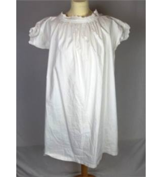 Unbranded Size: 18  White Nighty