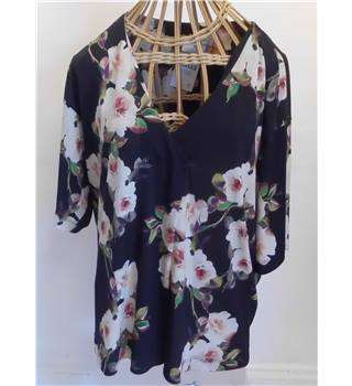 Monsoon Black & Floral Top - Size: XXL - Multi-coloured