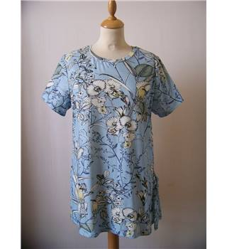 Per Una size 14 sky blue with grey and white floral with finches pattern top