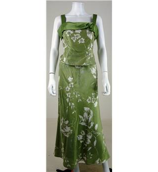 Minuet Size 12 Pastel Green Two Part Silk Floral Print Dress and Skirt
