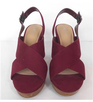 Limited Edition - Size: 5.5 - Burgundy - Heeled Shoes