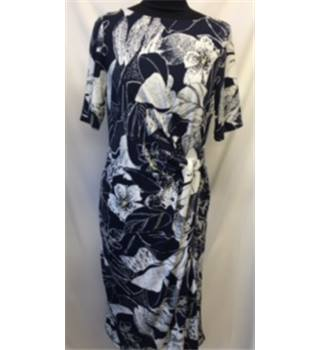 NWOT M&S Classics Size M Blue and White Floral Dress