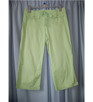 BHS size: 14 pale green cropped trousers