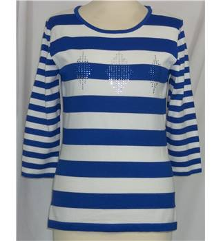 BNWT Alexara-Size S-Blue and White Striped-Jumper.