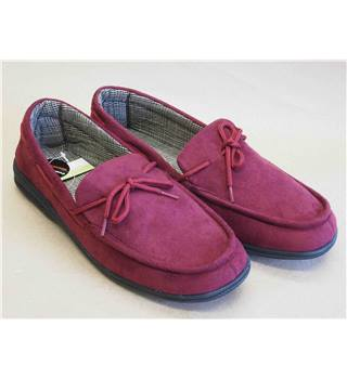 Cushion Walk Burgundy Slip-on Loafer  Size 10