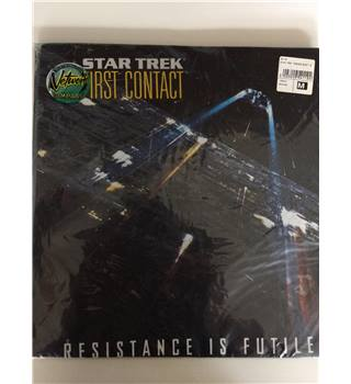 Star Trek First Contact - Resistance is Futile Tshirt Unbranded - Size: Medium - Black - Short sleeved T-shirt