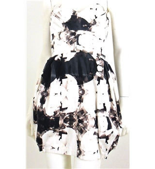 Lipsy Size 12 Cream Abstract Pattern Tulip Strapless Dress