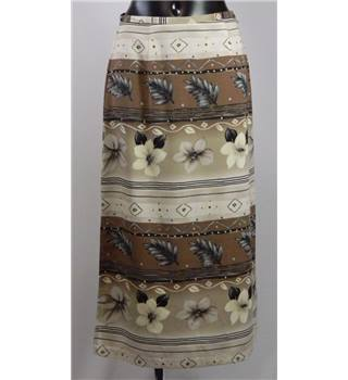 NYCC Skirt - Neutral Pattern - Size S - Petite