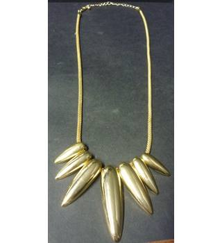 gold tone teardrop statement necklace Unbranded - Size: Medium - Metallics