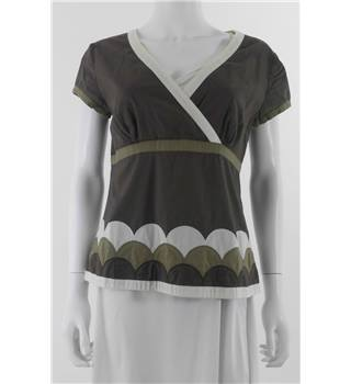 Boden Size: 10 Khaki Brown Applique Blouse