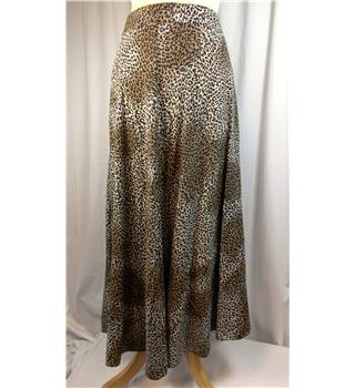Features size 12 long skirt