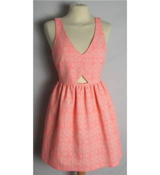 Zara size: S coral pink patterned dress.