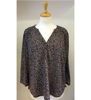 H&M large navy blue with floral print top H&M - Size: L - Blue