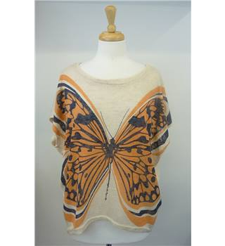 Apricot size s/m beige butterfly top. Apricot - Size: M - Beige