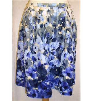 BNWT Moschino Size 8 Purple water colour flower print 1950's style full Knee length skirt