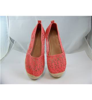 M&S Marks & Spencer - Size: 4 - Pink - Slip-on shoes