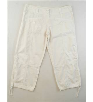 Soul Cal   size 8  White  crop trousers