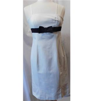 Renato Nucci, Paris - Size: M - Cream / ivory - Knee length dress
