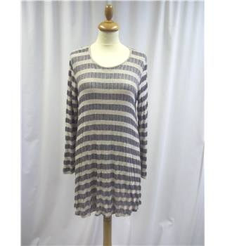 Puella size: L beige and navy tunic top