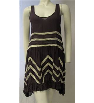 Purple Dress With White Lacy Detail Size L Intermately Free People - Size: L - Purple