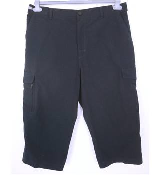 "M & S Size: Large, 38"" waist, 19"" inside leg Navy Blue Casual/Fun Cotton ""Storm Wear"" Cargo Shorts"