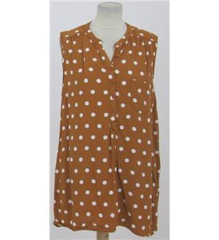 Wallis: Size L: mustard with white dots blouse