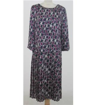 Cotswold Collections - Size: 14 - Purple patterned dress with pleated skirt