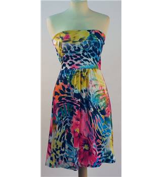 BNWT - Boohoo - Size 8 - Patterned - Dress