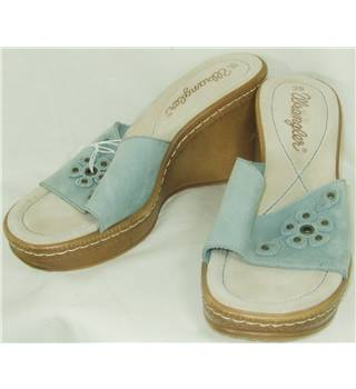 Wrangler Size 39 Pale Blue Suede Wedge Heel Mules