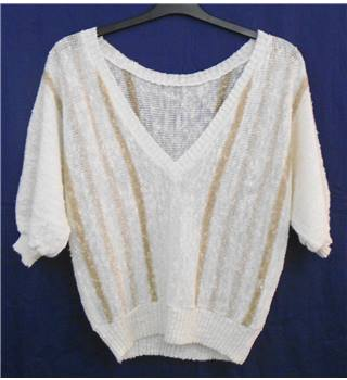 Skylar cream knit top Size M