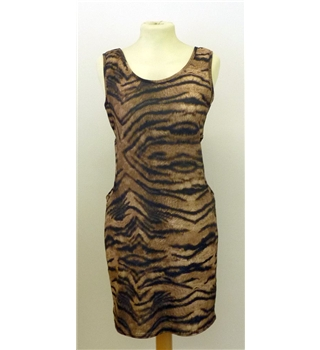 BNWT Boohoo size 12 tiger print cut out sides dress. Boohoo - Size: 12 - Brown - Summer