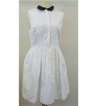 BNWT Jack Wills size 10 white dress with black collar. Jack Wills - Size: 10 - White