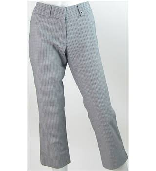 "Calvin Klein Golf - Size: 10/28"" - Grey/White/Black - Crop Check Trousers"