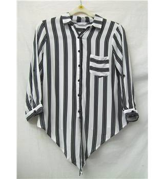 Red Herring - Size: 8 - White with black stripes - Womens blouse