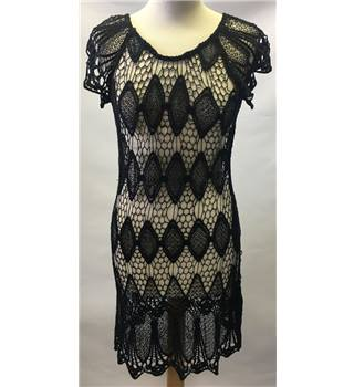 PINKY Size L Black lacey dress