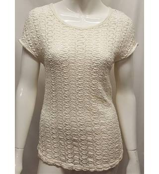 Topshop Size 6 Cream Crocheted T-shirt