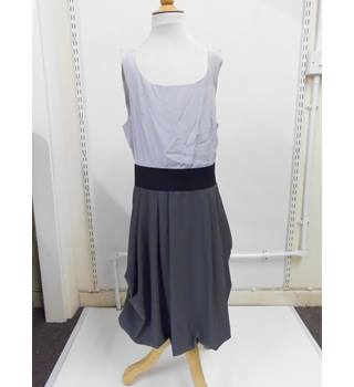 WOMENS H&M sleeveless dress size 8 - two toned grey and charcoal H&M - Size: 8 - Grey - Sleeveless