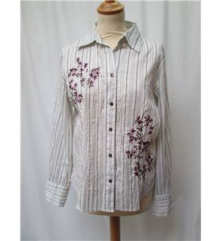 Gerry Weber - Size: 12 - White/black stripe with floral pattern long sleeved shirt