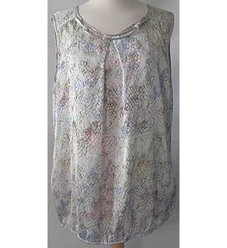 Wallis size:16 Sleeveless  top