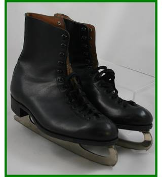 Vintage - Size: 10 - Black leather -  ice skates